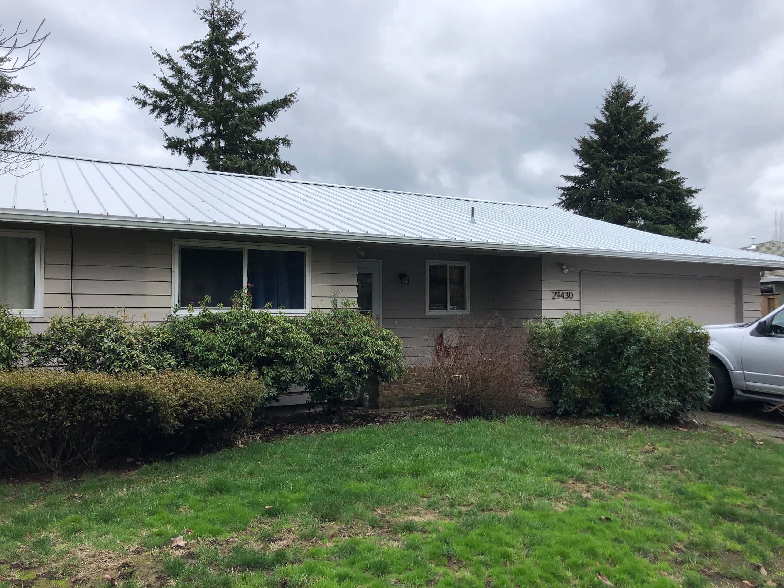 Reliance Roof Pros LLC | Beaverton | New Roof | Taylor Metal 24 Gauge Kynar | Glacier White | Front